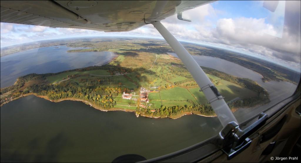 Bosjökloster mellan Ringsjöarna i höstfärger. Foto: Jörgen Prahl