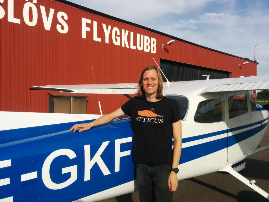 Jens Gudmundsson flög EK provet 2020-09-17. På marken övervakade FI Robert Fasth. Stort Grattis från EFK / styrelsen
